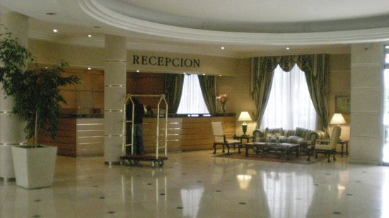 Costa Real: Front desk