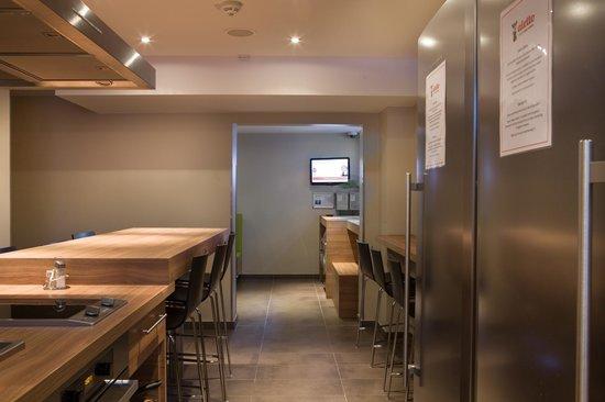 aletto Hotel Kudamm: Backpacker-Küche