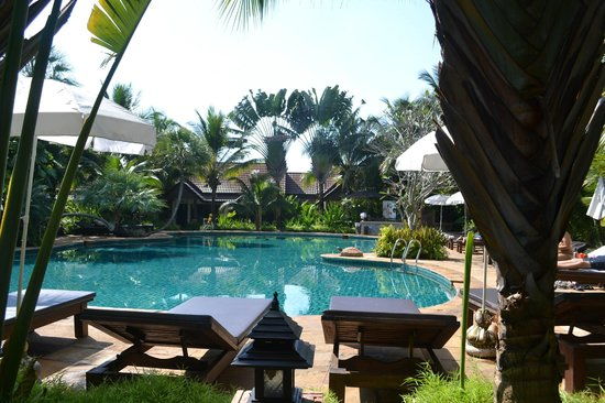 Laluna Hotel and Resort: The pool