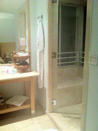 Hotel St. Augustine: Badezimmer mit Dampfbad in der Duschkabine