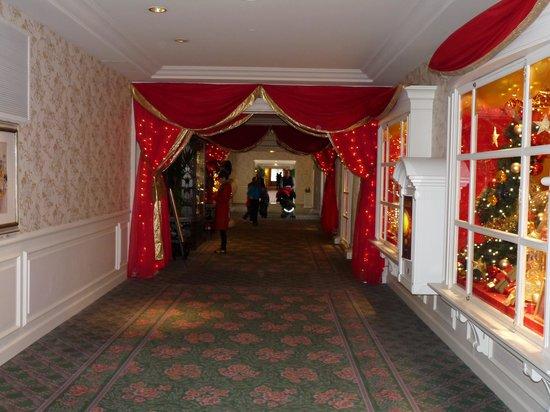 Disneyland Hotel: couloir