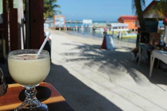 Doc'ks Tiki Bar & Grill: Smoothie and the amazing view