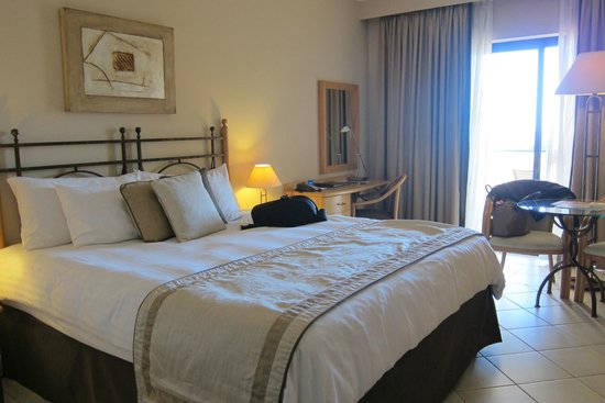 Marina Hotel Corinthia Beach Resort: Double room 7438