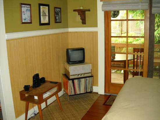 Hilo Bay Hale Bed & Breakfast: Michener suite
