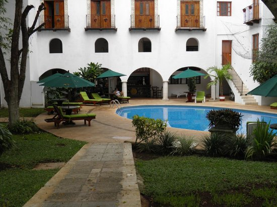 El Meson del Marques: The pool is very clean