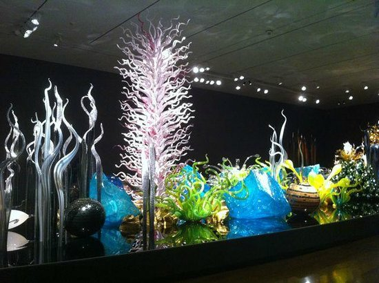 Virginia Museum of Fine Arts: A room in the Chihuly exhibit