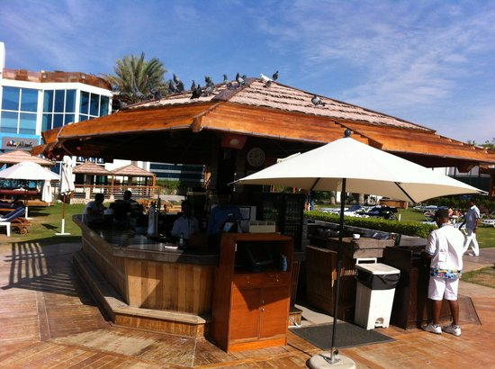 Dubai Marine Beach Resort and Spa : Beach bar