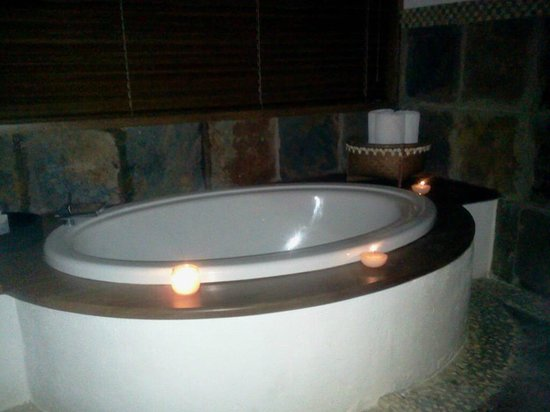 Zoetry Agua Punta Cana: Soaking tub by candle light!