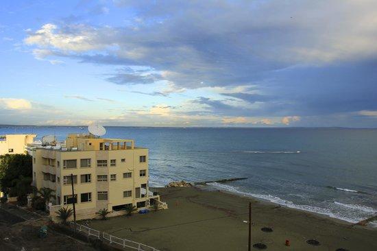 Flamingo Beach Hotel: View from balcony