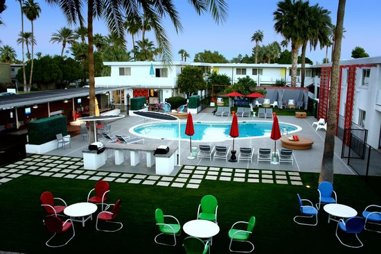 El Dorado Scottsdale: Courtyard, pool, pool patio, BBQ bar, fire pit, hot tub