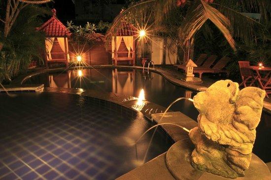 Nyiur Indah Beach Hotel: Swimming Pool, taken from restaurant