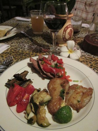 Baobab Beach Resort & Spa: Grilled meat and vegetables were my favorite.