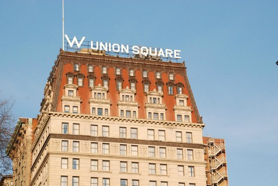 W New York - Union Square: The hotel as seen from the park