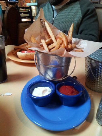 JW's Burger Bar: French fries and sauces