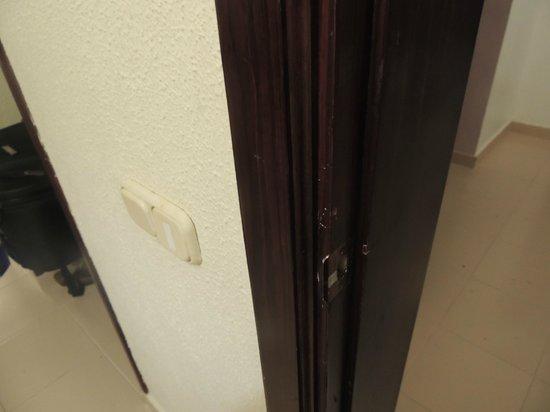 ClubHotel Riu Bambu: puerta forzada