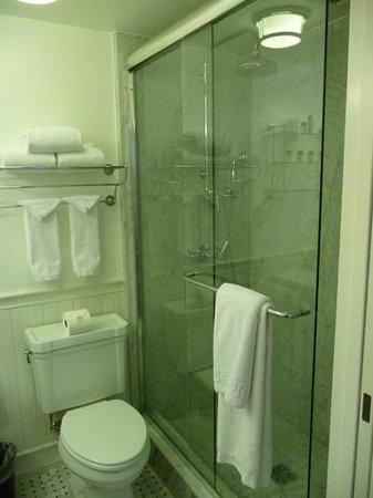 Mr. C Beverly Hills: dusche Zimmer 914