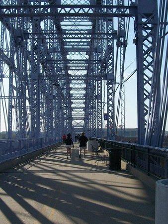 Newport Southbank Bridge a.k.a. Purple People Bridge: Purple People Bridge