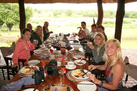 Inyati Game Lodge: Scrummy lunch!