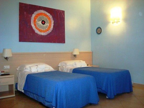 Camera da letto foto di b b camere roma tripadvisor for Camere da letto b b italia