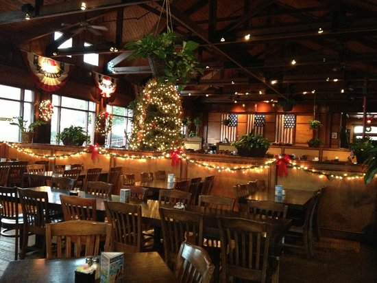 Dining Room Decorated For The Holidays Picture Of Liberty Brewery