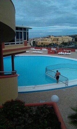 Laguna Park 2: view at pool an Bit ov restaurant