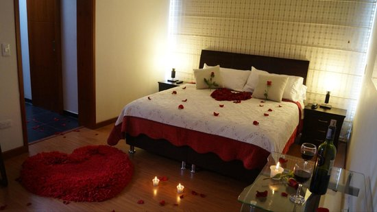 Hotel santa cruz corferias desde s 125 bogot colombia - Preparar noche romantica en casa ...