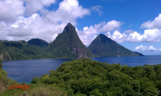 Jade Mountain Resort : The view from our sanctuary