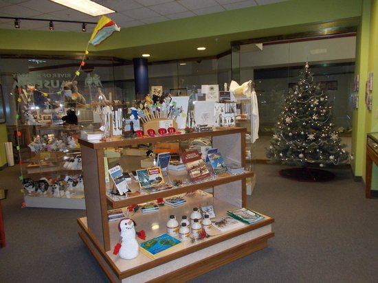 River of History Museum: Gift Store
