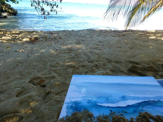 Jamaica Inn: Painting on the beach