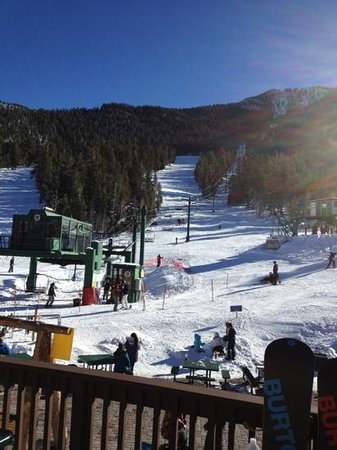 Lee Canyon Resort: Fly out of LV for better skiing.