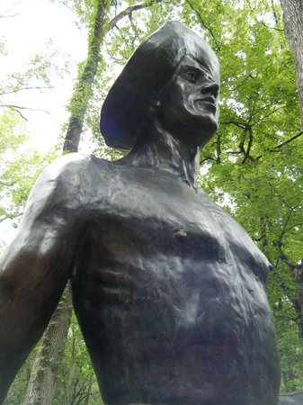Florida Caverns State Park: Statue near visitors center