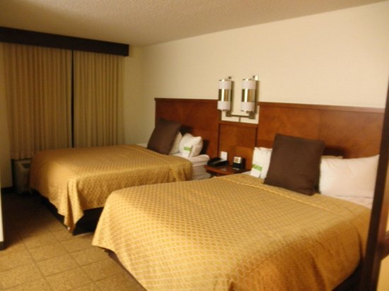 Hyatt Place Richmond Airport: beds