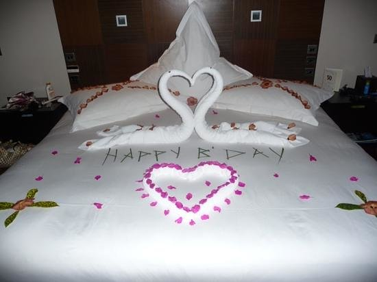 Veligandu Island Resort & Spa: birthday decorations