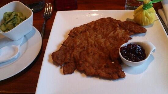 NIDO: 'kleines' schnitzel. I wonder how a big schnitzel looks like