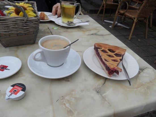 Drielandenpunt: the delicious --berry pie