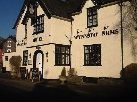 The Wynnstay Arms Hotel: Just been completely repainted outside & in