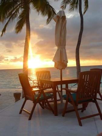 Veligandu Island Resort & Spa: sunset