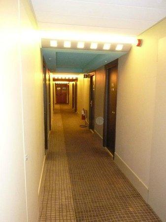Novotel Milan Nord Ca Granda: il corridoio del nostro piano