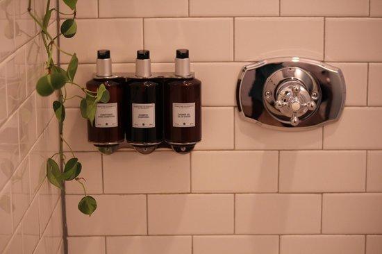 Longman & Eagle: Shower/bath gels