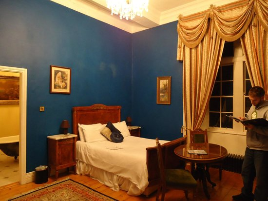 Kinnitty Castle Hotel: our room