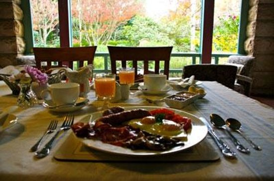 Argyll Guesthouse: Enjoy breakfast in our large, sunny garden view dining room