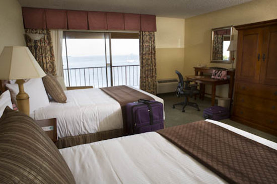 Red Lion Hotel Port Angeles: Room with 2 Queen Beds