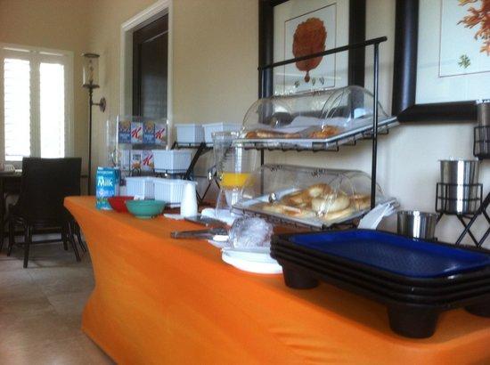Villa del Mar: Breakfast