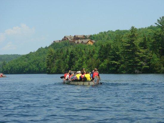 Hotel Sacacomie: Arrivée par bateau