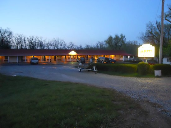 Little River Inn Motel & Guest House