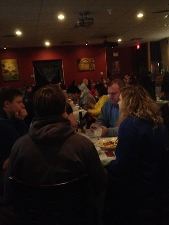 Thai Thai: Thursday night and the place is packed