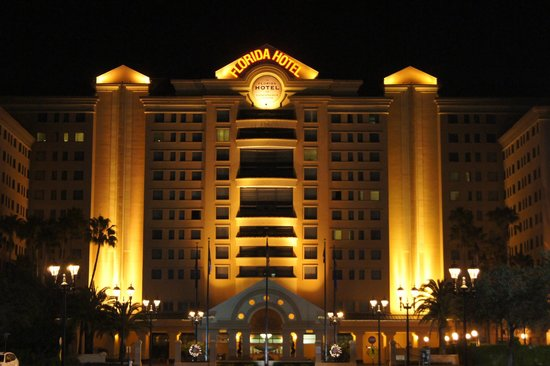 The Florida Hotel & Conference Center, BW Premier Collection: Night view of Florida hotel in Orlando