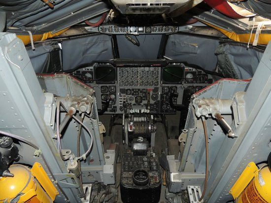 Castle Air Museum: B-52 training cockpit