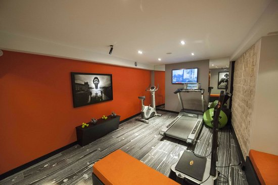 Hotel Atmospheres: Fitness Room