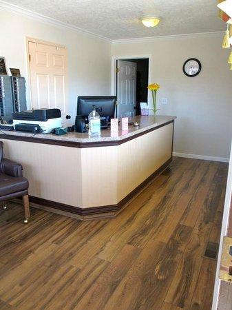 Motel 6 TREMONTON UT: The office